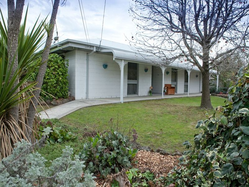 12 Howe Avenue, Dandenong North, Vic 3175