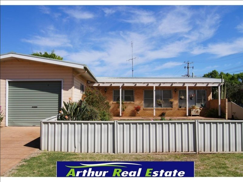 71 Denison St, Finley, NSW 2713
