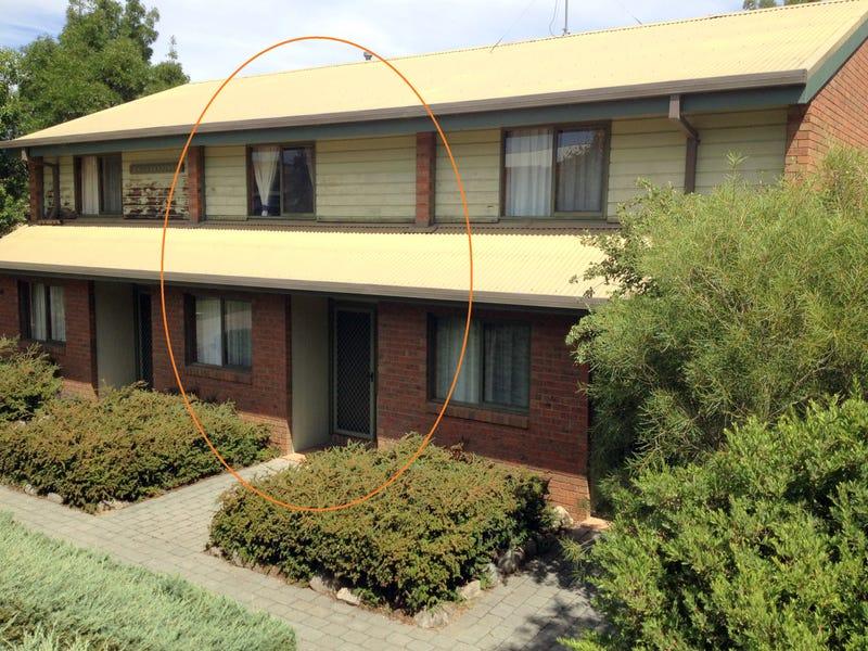 2/24 Cobbon Crescent, Jindabyne, NSW 2627