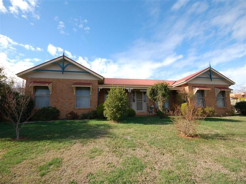 2 Cnr Old Mill Road & Somerset Cres, Mansfield, Vic 3722