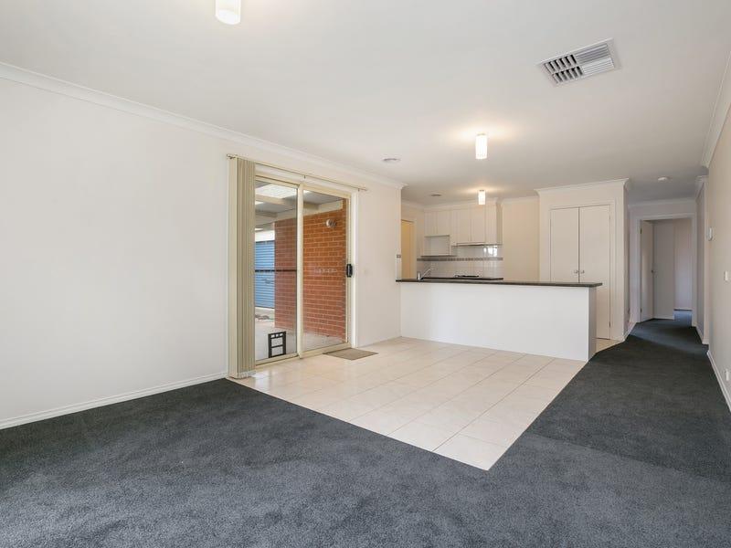 18 Bassett Drive, Strathfieldsaye, Vic 3551