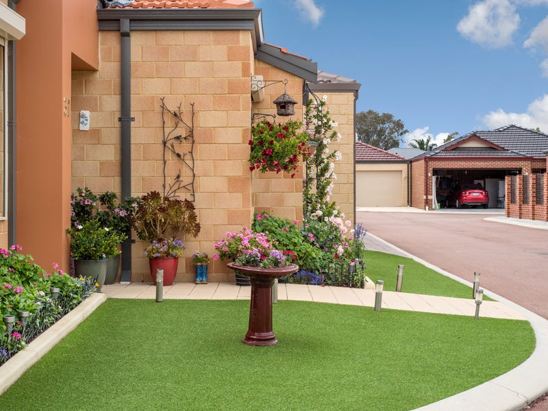 15 Chipping Drive, High Wycombe