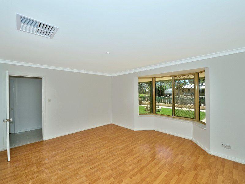 9 Macquarie Drive, Coodanup, WA 6210