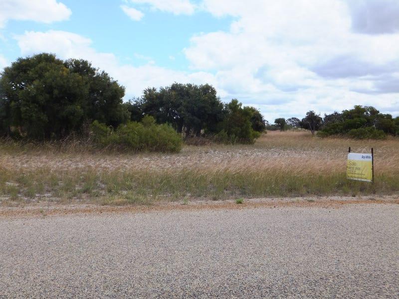 206 Banksia road, Hopetoun, WA 6348