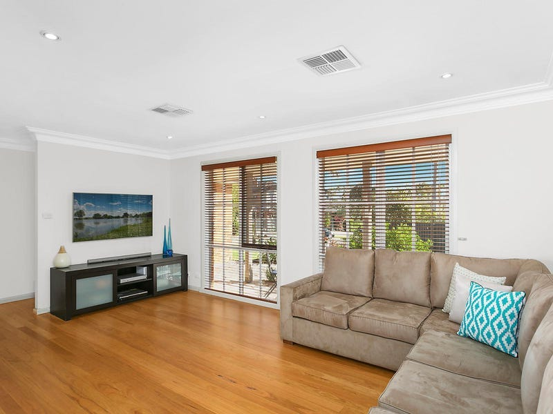 4 May Place, Illawong, NSW 2234
