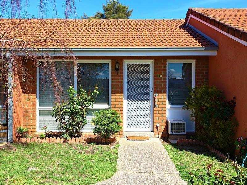 11/16 South Circular Road, Gladstone Park, Vic 3043