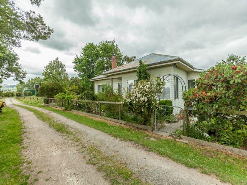 490 DARNUM-ALLAMBEE ROAD, Cloverlea, Vic 3822