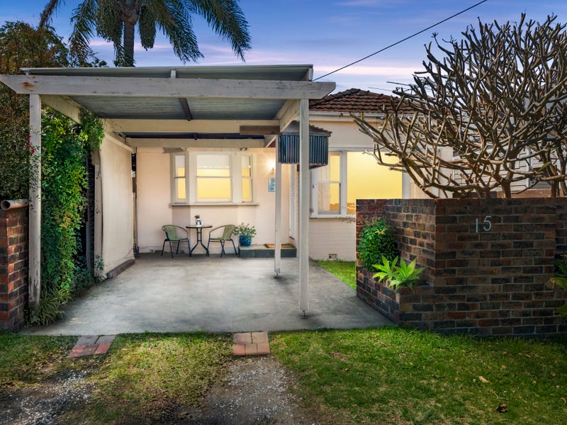 15 Spring Road, North Curl Curl, NSW 2099