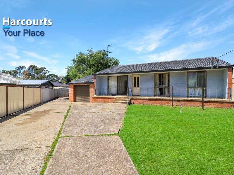 15 Webb Place, Blackett, NSW 2770