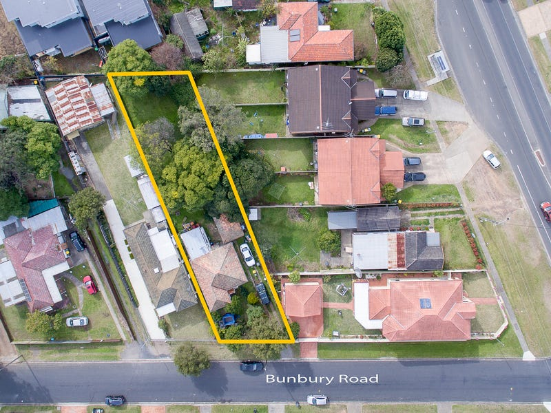 1 Bunbury Road, Macquarie Fields, NSW 2564