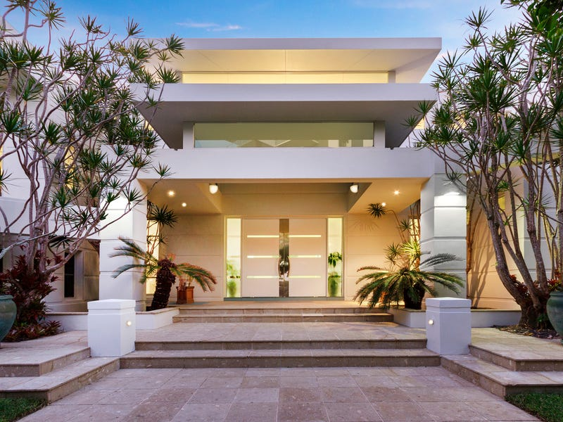 1-7 Cannes Avenue, Surfers Paradise, Qld 4217