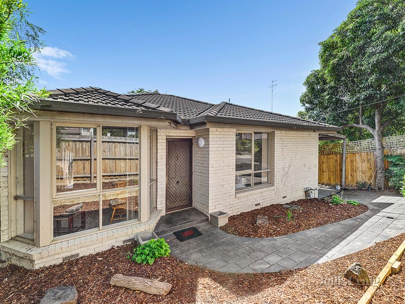 2/1 Angus Grove, Doncaster, Vic 3108