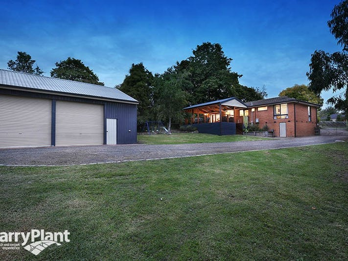10 Darinda Avenue, Wandin North, Vic 3139