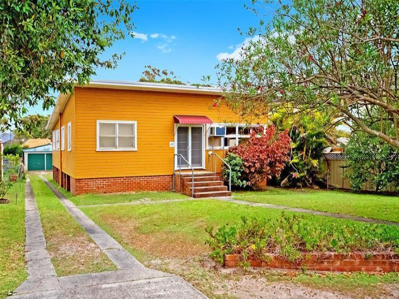 37 Bateau Bay Road, Bateau Bay, NSW 2261