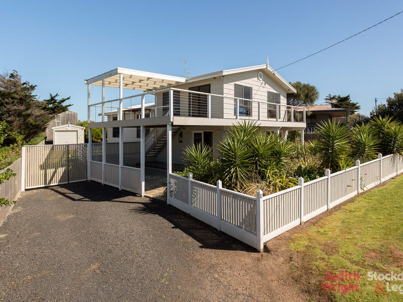 17 Hopetoun Crescent, Surf Beach, Vic 3922