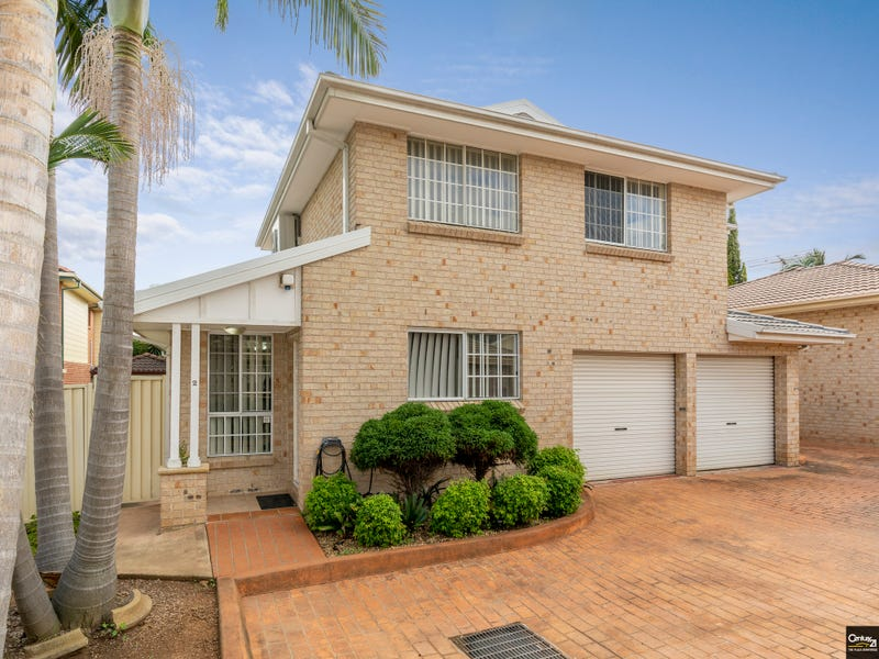 2/10 Esk Ave, Green Valley, NSW 2168