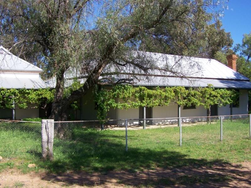 170 Farnham Road, Stuart Town, NSW 2820
