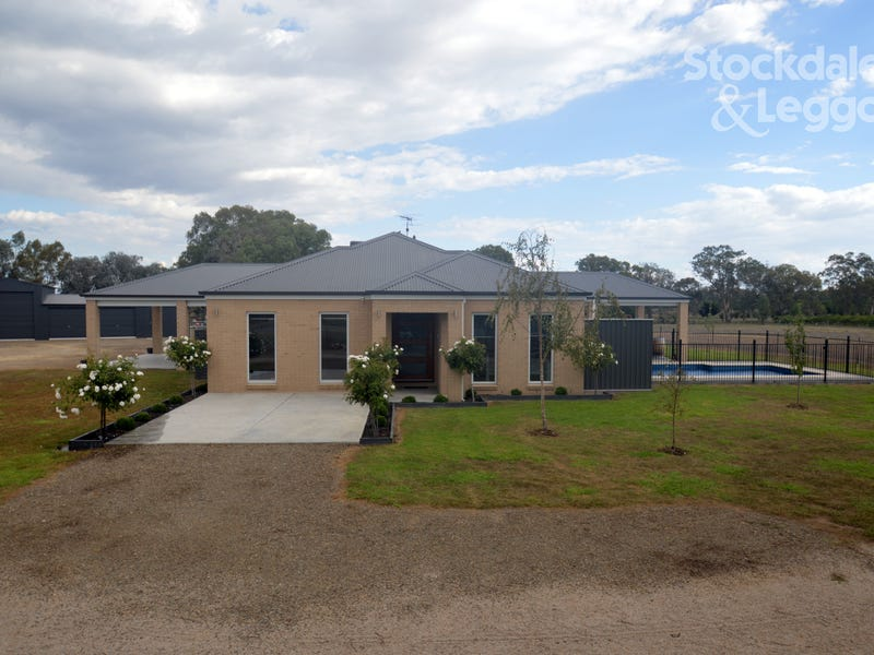 27 BOOKLESS COURT, Oxley, Vic 3678
