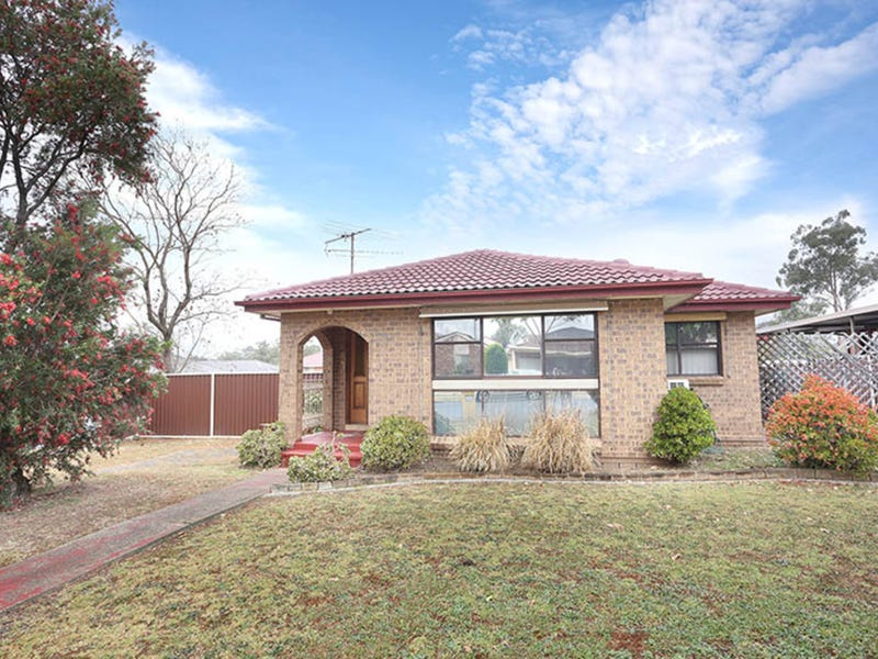 15 Fitzgerald Avenue, Edensor Park, NSW 2176