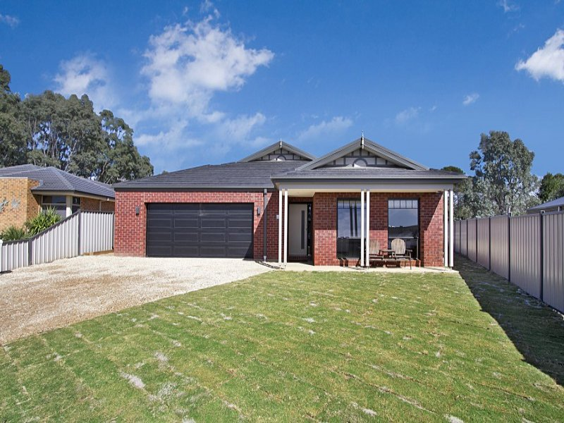 9 Parkland Place, Broadford, Vic 3658