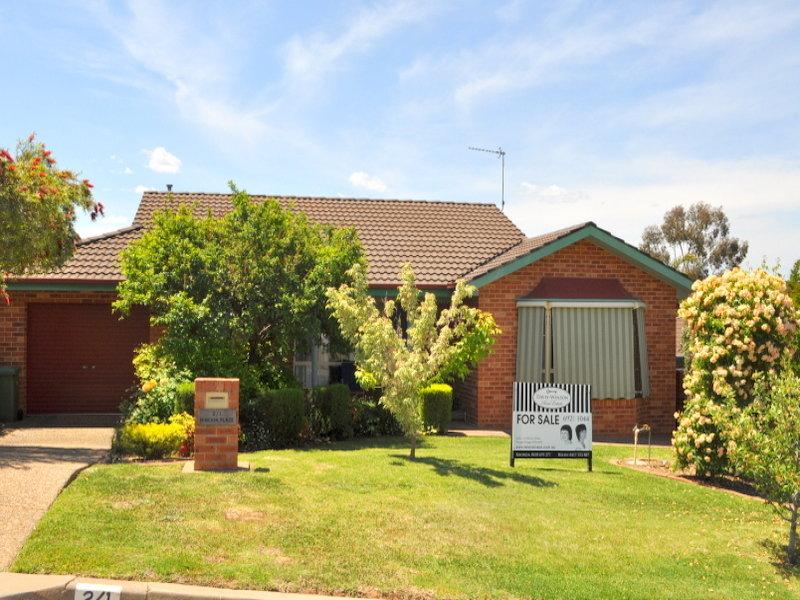 2/1 Minchin Place, Kooringal, NSW 2650