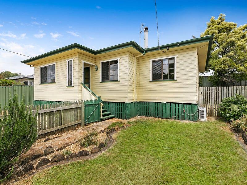 19 Searle Street, South Toowoomba, Qld 4350