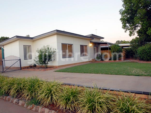 33 Walla Avenue, Griffith, NSW 2680