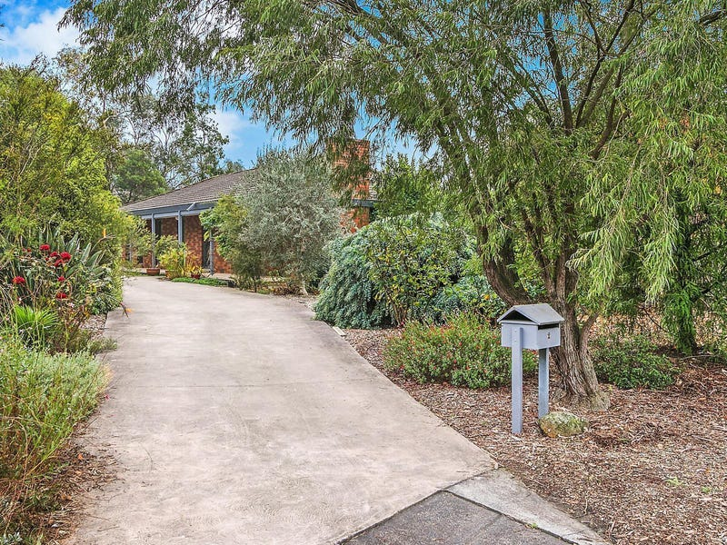 2 Nareen Court, Croydon, Vic 3136
