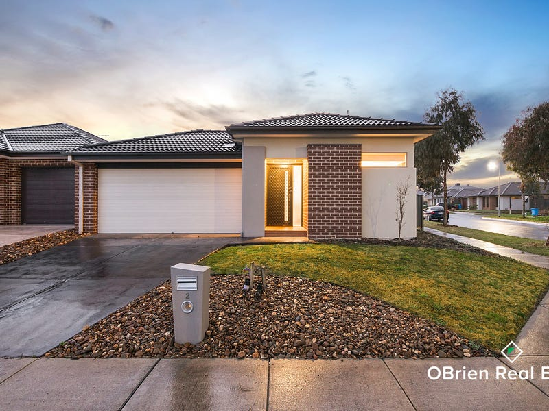2 Stonebank Grove, Cranbourne East, Vic 3977