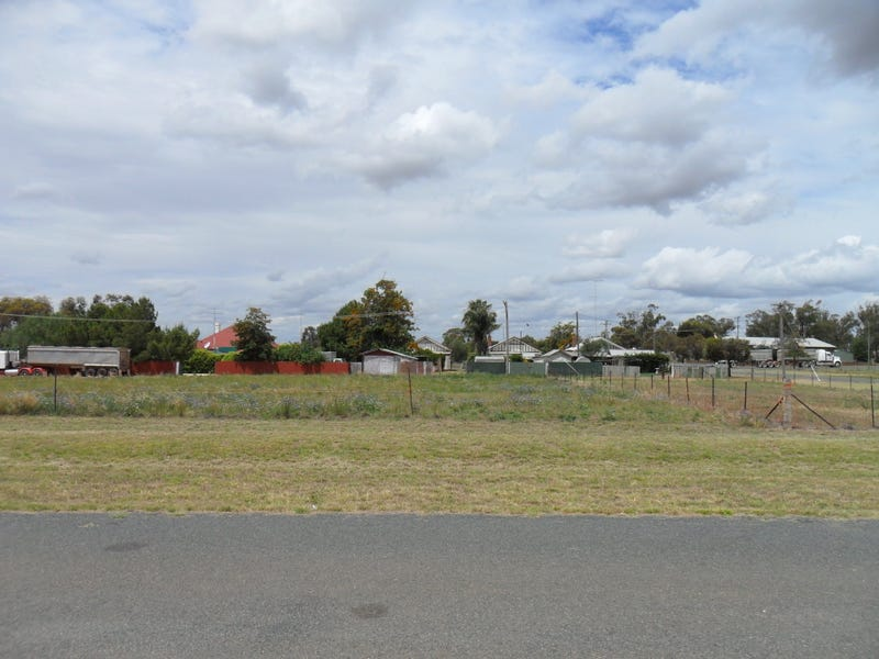 9 ROBERTSON STREET, Barmedman, NSW 2668
