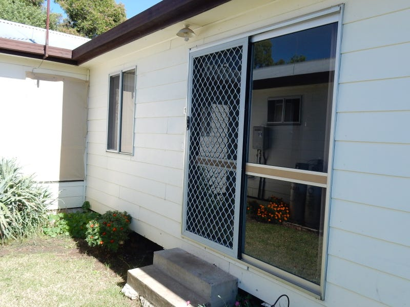 1/26A Queens Terrace, Inverell, NSW 2360