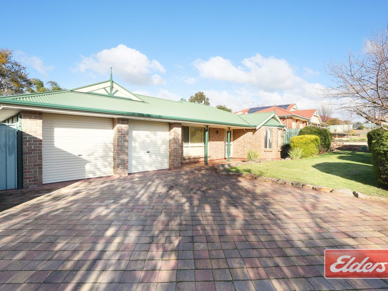 18 Goldfinch Way, Hewett
