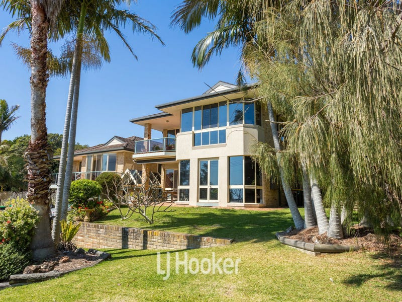 1/12 High Street, Hallidays Point, NSW 2430