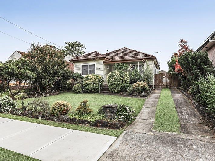 4 Amy Road, Peakhurst, NSW 2210