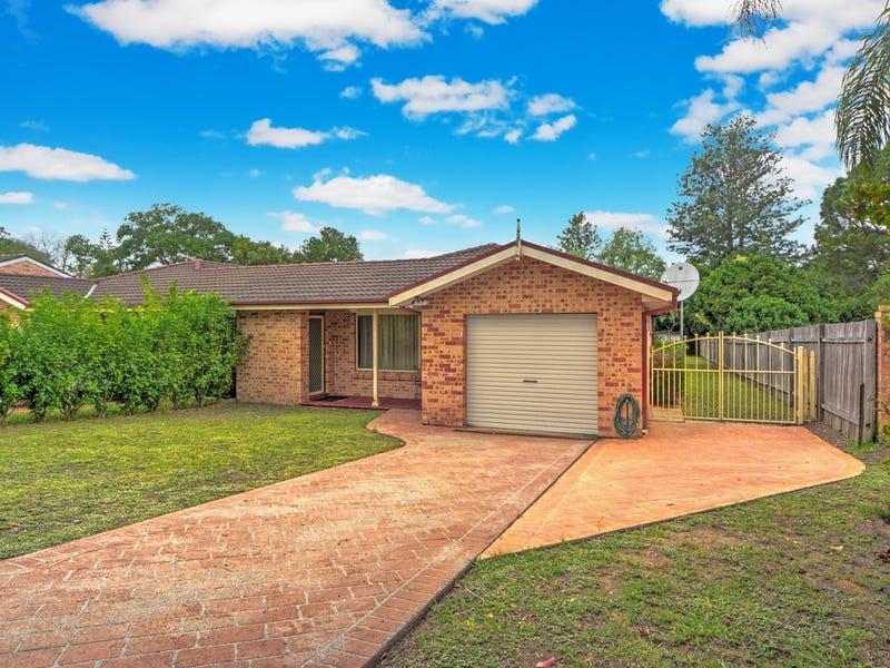 24 Lyndhurst Drive, Bomaderry, NSW 2541