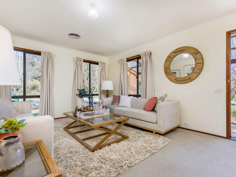1 Macvitie Place, Macquarie, ACT 2614