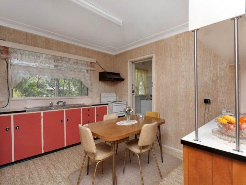 3 Oak Avenue, Lake Tabourie, NSW 2539