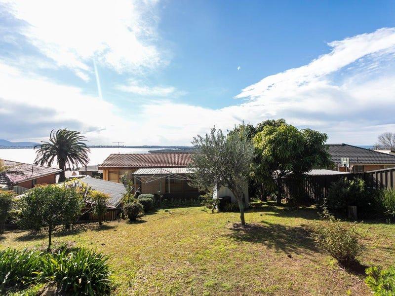 43 Cuthbert Drive, Mount Warrigal, NSW 2528