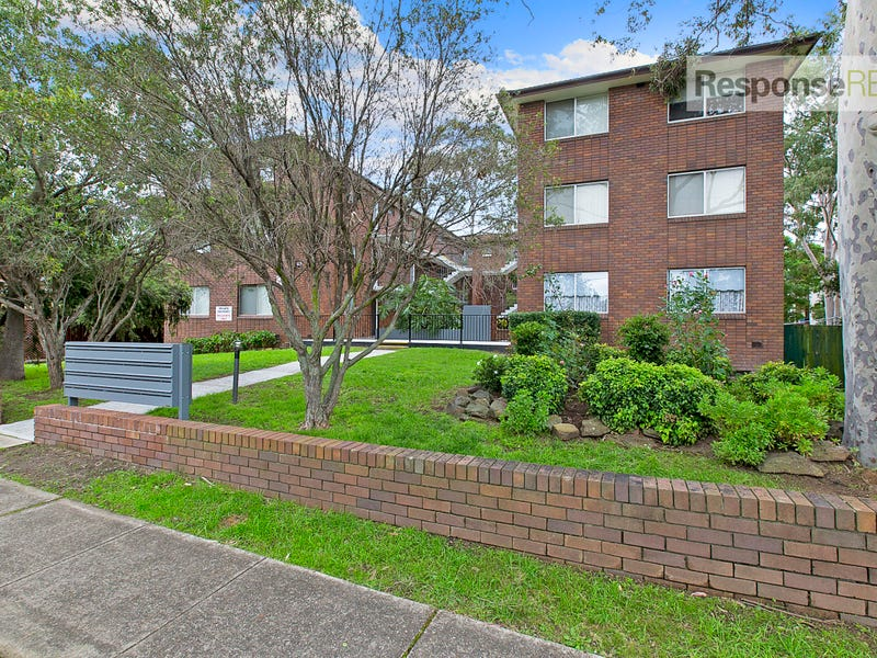 15/9-11 Santley Crescent, Kingswood, NSW 2747