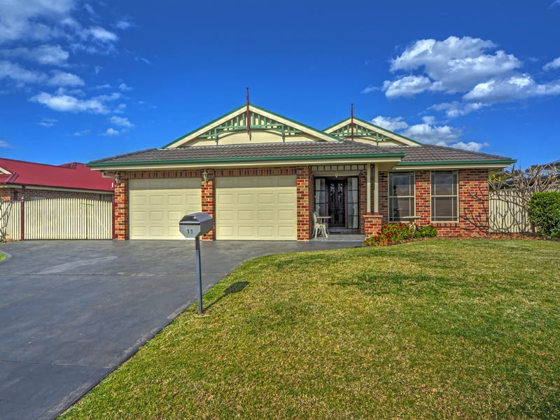 11 Carrington Park Drive, Nowra, NSW 2541
