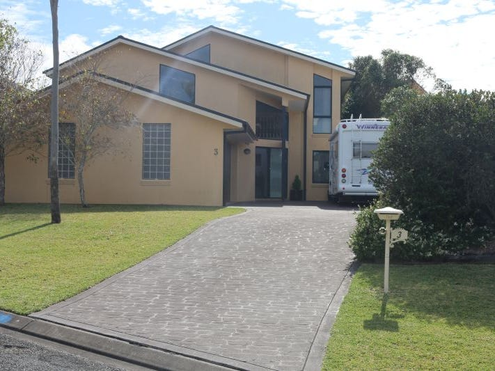 3 bellevue place hallidays point nsw 2430 house for sale for Park place motors bellevue