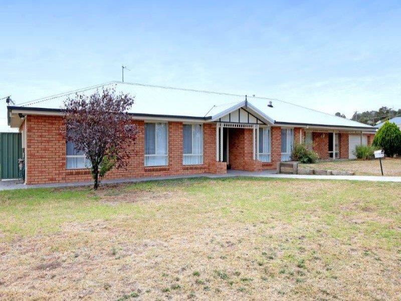 7 Church St, Junee, NSW 2663