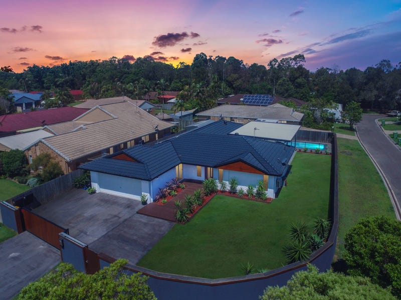 11 Greenway Place, Mountain Creek