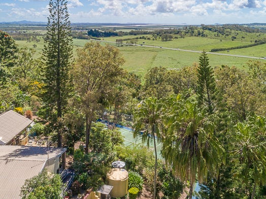 33 Burnell Drive, Alligator Creek, Qld 4740