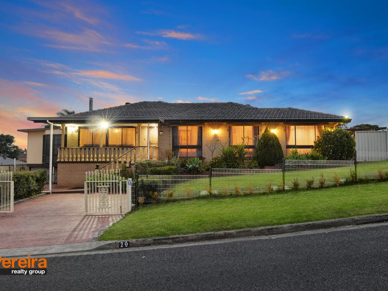 20 Edinburgh Crescent, St Andrews, NSW 2566