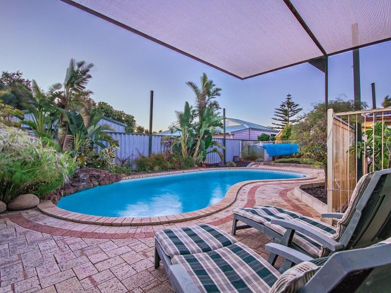 Australia 39 s largest list of properties to buy or rent for 152 158 st georges terrace