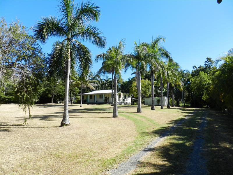 771 Sarina Beach Road, Sarina Beach, Qld 4737