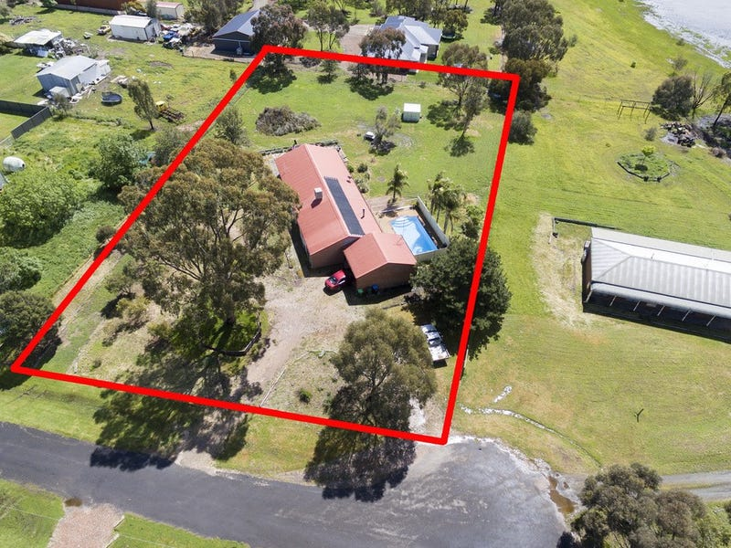 6 Gold Leaf Court, Huntly, Vic 3551