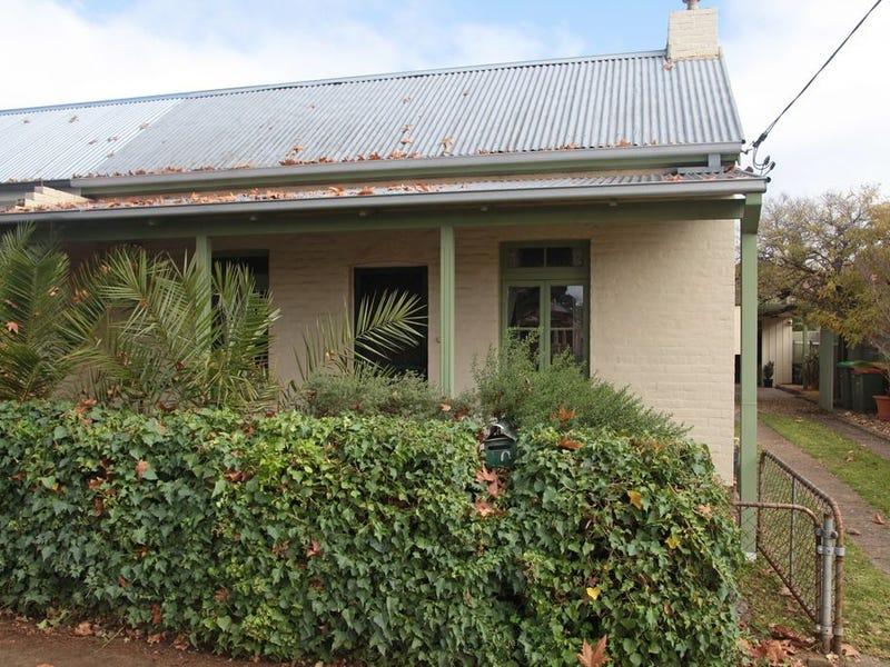 70 Simmons Street, Wagga Wagga, NSW 2650