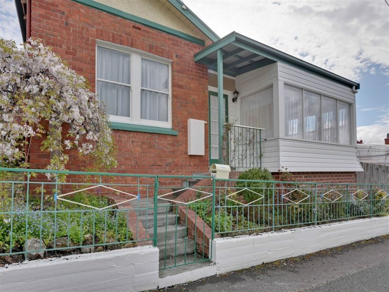 64 Princes Street, Sandy Bay, Tas 7005
